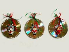 ¿No sabes que uso dar a los viejos CDs que tienes en casa? Aquí te tengo una fabulosa propuesta para reciclarlos haciendo adornos navideños y decorar tu hogar. Te dejo una recopilación de ideas para que te inspires a hacer tus decoraciones. Los materiales son muy fácil de conseguir: fieltro, fomi, estambre, papel decorativo, pintura …