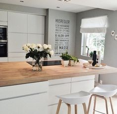 Küche – home decor ideas – – Pinmenzilyolu New Kitchen, Kitchen Interior, Kitchen Dining, Kitchen Decor, Kitchen Island, Bar Table And Stools, Bar Tables, Bar Stool, Sweet Home