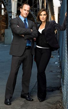 Ahhh.....Christopher Meloni - all kinds of mhmmm!!! Law & Order: SVU    Nothing like Benson and Stabler.