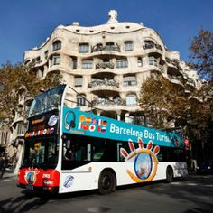 Save money on the Barcelona On and Off Bus - 1 day tour. Our experts have personally selected the best Barcelona shore excursions. Call us for personalized service and a wide range of Europe shore excursions. Travel Deals, Barcelona Tourism, Barcelona Spain, Tickets Barcelona, Bus City, Holiday City, La Pedrera, Sightseeing Bus