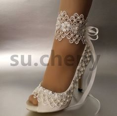 The design focus is lace ribbon ankle wrap.Wedding Shoes Lace Pictures Ideas For 4 of się z gdziewesele. Wedding Shoes Bride, White Wedding Shoes, Wedding Shoes Heels, Bridal Shoes, Fancy Shoes, Me Too Shoes, Pump Shoes, Shoe Boots, Open Toe
