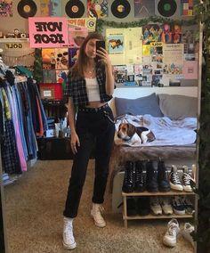 aesthetic bedroom room inspo room inspo The Ef - Retro Room, Vintage Room, Bedroom Vintage, Vintage Outfits, Retro Outfits, Trendy Outfits, Grunge Outfits, Fall Outfits, Room Ideas Bedroom