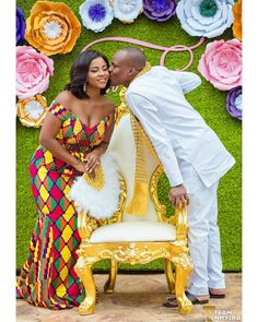 Pojb All tjnvfz From the union of our Ghanaian couple , Franklin and Sedinam. Modern African Print Dresses, African Lace Dresses, Latest African Fashion Dresses, African Print Fashion, African Wedding Hairstyles, African Wedding Attire, African Attire, African Weddings, African Traditional Wedding Dress