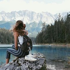 Pin by Constance Alexandra on wanderlust ✩ Hiking Photography, Adventure Photography, Photography Ideas, Travel Pictures, Travel Photos, Foto Pose, Adventure Is Out There, Plein Air, Travel Goals