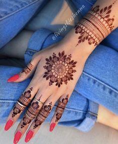 Pretty Henna Designs, Henna Tattoo Designs Simple, Floral Henna Designs, Basic Mehndi Designs, Finger Henna Designs, Latest Bridal Mehndi Designs, Henna Art Designs, Mehndi Designs For Girls, Mehndi Design Photos