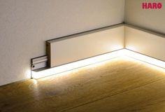 Projekty do wypróbowania Mit diesen LED-Streifen sorgen Sie für ein ganz besonderes Wohnambiente. Mit den als Zubehör erhältlichen Befestigungsschienen wird der Leuchtstreifen an den Sockelleisten angebracht. Weißlicht selbstklebend inkl. Trafo und...