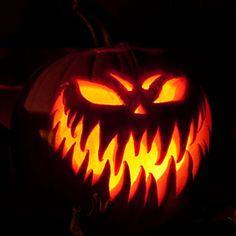 Scary Pumpkin Carving, Halloween Pumpkin Carving Stencils, Halloween Pumpkin Designs, Scary Halloween Pumpkins, Amazing Pumpkin Carving, Pumpkin Carving Patterns, Pumpkin Stencil, Halloween Crafts, Halloween 2015