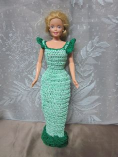 He encontrado este interesante anuncio de Etsy en https://www.etsy.com/es/listing/112152833/evening-gown-for-11-12-inch-fashion-doll