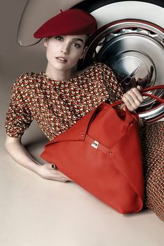 Manon Leloup for akris Pre-Fall 2014 Campaign - Fashion Copious Campaign Fashion, Oui Oui, Outfits With Hats, Classic Outfits, Classic Style, Signature Style, Lady In Red, Leather Backpack, Women's Accessories