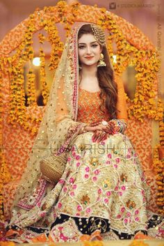 Mehndi is the memorable event in whole wedding. Brides need to chose the best bridal wear on her momentous day. Here is some latest mehndi dresses collection of 2016 and 2017 for Asian brides especially Pakistani and Indian. Pakistani Mehndi Dress, Bridal Mehndi Dresses, Pakistani Wedding Outfits, Pakistani Bridal Dresses, Pakistani Wedding Dresses, Bridal Outfits, Indian Dresses, Mehendi, Eid Outfits