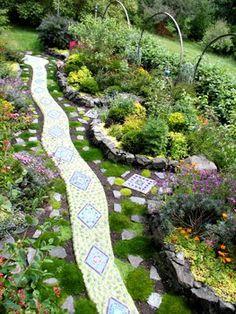 mosaic garden art by Clare Dohna