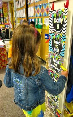 Seusstastic Classroom Inspirations: Daily 5-2nd Edition Chapter 7 + FREEBIES!