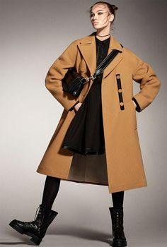 b57ff35292 Zara Fall Winter womenswear ad campaign Grace Elizabeth