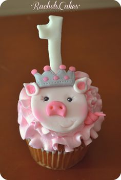 Princess pig cupcake Pumpkin Cheesecake Cupcakes, Pig Cupcakes, Amazing Cupcakes, Cupcake Shops, Chocolate Chip Cookies, Princess, Desserts, Food, Beautiful Things