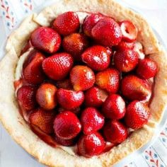 Strawberry Cream Cheese Pie - Spaceships and Laser Beams Strawberry Custard Pie Recipe, Strawberry Cream Cheese Pie, Strawberry Jelly, Strawberry Desserts, Strawberries And Cream, Jello Dessert Recipes, Pie Recipes, Whole Food Recipes, Delish Cakes
