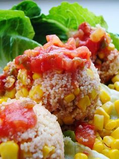 Street Food, Cuisine du Monde: Recette de taboulé aux tomates, poivrons, maïs, abricots secs, raisins secs, épices