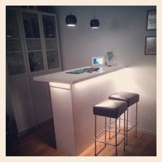 IKEA Hackers: Kitchen cabinets as a bar #kitchen Kitchen Wall Cabinets, Kitchen Cabinet Storage, Kitchen Units, Ikea Kitchen, Kitchen Island, Bar Cabinets, Long Kitchen, Bar Kitchen, Billy Ikea