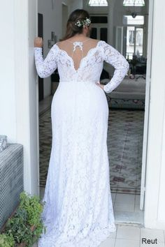 Beautiful back of this lace mermaid gown for full figured brides