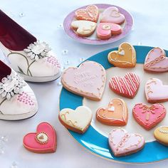We're still icing lots of Valentine's Day biscuits! Order by 1pm and select next day delivery 💗💘💕