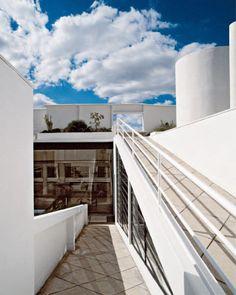 Inside court at the Villa Savoye by Le Corbusier, 1928-1930. / Taschen