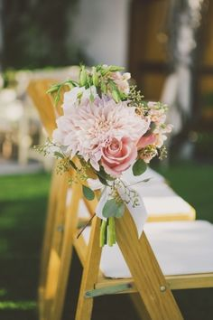 ˚Pink dahlia and rose floral arrangement for ceremony seating, photo by Closer to Love Photography
