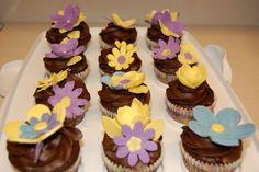 Flowers cupcake