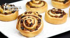 Üzümlü Tahinli Cevizli Çörek Tarifi İçin Malzemeler Hamuru için; 1 su bardağı ılık süt, 3 yemek kaşığı toz şeker, 1 paket instant maya (10 gram), 1 yumurta, 1 fiske Biscuits, Cheesecake, Muffin, Food And Drink, Pizza, Cookies, Breakfast, Desserts, Turkish Recipes