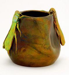 Zsolnay váza rovarokkal