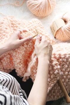 DIY: Udon XXL Blanket + We Are Knitters Gewinnspiel - provinzkindchen Knit Patterns, Merino Wool Blanket, Diy Tutorial, Knit Crochet, Knitting, Snuggles, Knits, Crocheting, Blankets