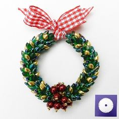 Make this adorable Christmas Kumihimo Wreath using the new tutorial by Pru McRae.