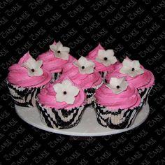 Zebra cupcakes met roze toef