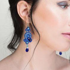 Blue earrings with crystals. Синие серьги ручной работы с хрустальными бусинами, стразами и японским бисером. В нашей интернет-магазин их можно купить отдельно, а можно в комплекте с браслетом. Ссылка на магазин в био.  #серьги #украшенияукраина #ручнаяработа #madeinukraine #лето2017 #fashionjewelry #earrings #summerjewelry #ss2017 #стиль #мода #odessa #lviv #kharkiv
