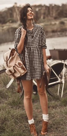 Boho style plaid dress | Zefinka Fashion blogs give you style advice and fashion tips!