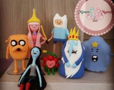 Hora de Aventura em biscuit Adventure Time, Action Figures, Dolls, Christmas Ornaments, Knitting, Holiday Decor, Projects, Biscuits, Pasta