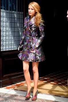 Style Hits: Blake Lively | Visual Therapy Valentino trench dress