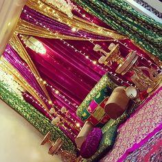 Aladdin Wedding, Aladdin Party, Afghani Clothes, Balochi Dress, Mehndi Party, Henna Night, Photo Booth Backdrop, Night Photos, Arabian Nights