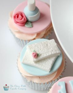Made for a young girl having a pamper party. All vanilla cupcakes. Spa Cupcakes, Spa Party Cakes, Spa Day Party, Spa Cake, Spa Birthday Parties, Pamper Party, Girl Cupcakes, Themed Cupcakes, Sleepover Party