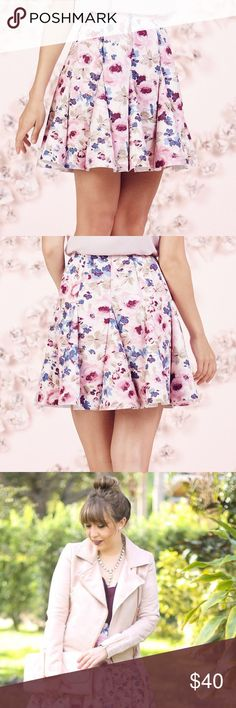 """LAST❣️LAUREN CONRAD Runway Collection Pink Skirt NWT LC LAUREN CONRAD Runway Collection pink soft floral pattern and flirty godet design will give a gorgeous look with a touch of whimsy!  *Romantic Floral Print Stretchy scuba construction Unlined Approx length 18"""", Waist 30"""" Back zipper w/hook & eye closure Polyester/spandex Machine wash  *Bundle Discounts * No Trades * Smoke free LC Lauren Conrad Skirts Circle & Skater"""