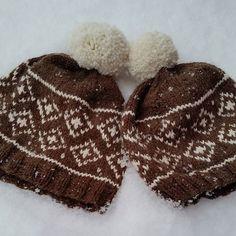 Da har vi kommet litt inn i det nye året og håper dere har hatt en koselig jul og nyttårsfeiring  Ønsker dere et strålende år og håper det blir fylt med mye glede og mange gode opplevelser ❤ Jeg har strikket snowyluer til meg og mannen på nyåret #snowylue #snowyhat #strikking #knitting #strikkelue #knittinghat #strikkedilla #knittinglove #strikkeglede ##strikkelykke #instaknit #knittinginna  #madebyme #DIY
