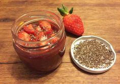 Geleia de morango e chia funcional está liberada na dieta. Veja receita!
