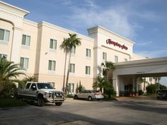 Corpus Christi (TX) Hampton Inn Corpus Christi Northwest United States, North America Stop at Hampton Inn Corpus Christi Northwest to discover the wonders of Corpus Christi (TX). The hotel offers a wide range of amenities and perks to ensure you have a great time. Service-minded staff will welcome and guide you at the Hampton Inn Corpus Christi Northwest. Each guestroom is elegantly furnished and equipped with handy amenities. The hotel offers various recreational opportunitie...