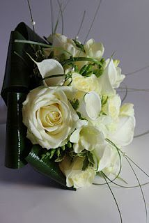 Rose and calla lily bouquet... ideas for the greenery