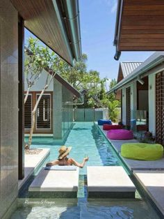 Rosamaria G Frangini | Architecture Pools |  Taking advantage of small spaces for a swimming pool