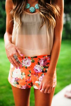 Look stunning during the spring months in comfy and chic spring outfits. Go through our collection of casual spring outfits to know what to buy. Fashion Mode, Teen Fashion, Style Fashion, Indie Fashion, Fashion Ideas, Fashion Shoes, Fashion Trends, Looks Style, Style Me
