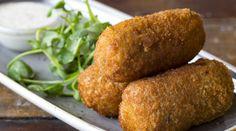 Wir zeigen Dir Schritt für Schritt, wie Du aus einem einfachen Kartoffelteig Kroketten selber machen kannst.