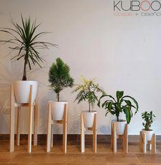House Plants Decor, Plant Decor, Home Decor Furniture, Diy Home Decor, Wood Shop Projects, Ethnic Home Decor, Pot Jardin, Wood Plant Stand, Flower Stands