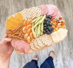 How to Make a Family Friendly Charcuterie Snack Board — Value Minded Mama Charcuterie Recipes, Charcuterie And Cheese Board, Allergy Free Recipes, Baby Food Recipes, Easy Meals For Kids, Kids Meals, Lunch Snacks, Yummy Snacks, All You Need Is