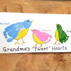 Baby art for grandma grandparents day 22 ideas Diy Gifts For Grandma, Grandma Crafts, Grandparents Day Crafts, Mothers Day Crafts For Kids, Diy Mothers Day Gifts, Grandparent Gifts, Mom Gifts, Teacher Gifts, Toddler Art