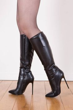 Looking for the high heeled boots the models like Carrie Lachance and Kay Morgan are wearing? These calf hugging boots from Giaro have 4 inch heels. Thigh High Boots Heels, Knee Boots, Heeled Boots, High Heels, Pencil Heels, High Leather Boots, Long Boots, Sexy Boots, Fashion Boots