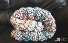 Make this gorgeous fast-finish blanket by Rescued Paw Designs with Wool-Ease Thick & Quick! Free crochet pattern!
